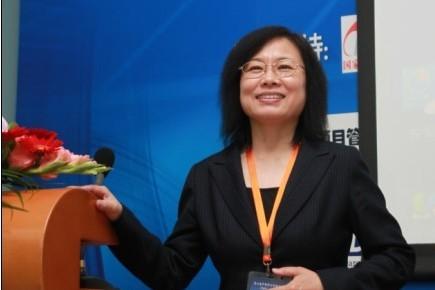 北京化工大学孙军教授主持会议